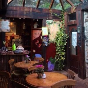 露天咖啡馆的轻音乐:给你安静和蓝天